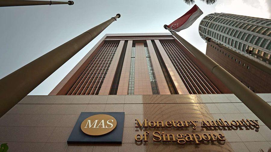 MAS Сингапура предупредило о рисках вложений в криптоактивы