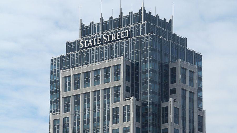 Банк State Street сократил более 100 разработчиков блокчейна