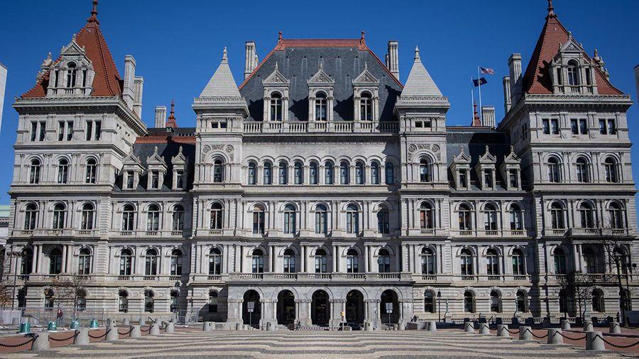 В Ассамблею штата Нью-Йорк внесен упрощенный законопроект о запрете неэкологичного майнинга