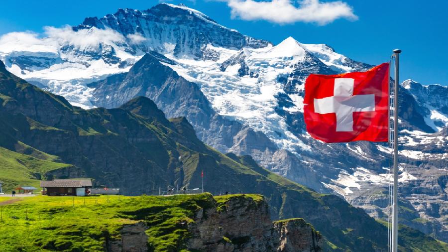 5-звездочный отель в швейцарских Альпах начал принимать криптовалюты