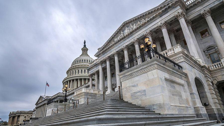 Новый законопроект США обяжет SEC и CFTC определить полномочия по регулированию криптовалют
