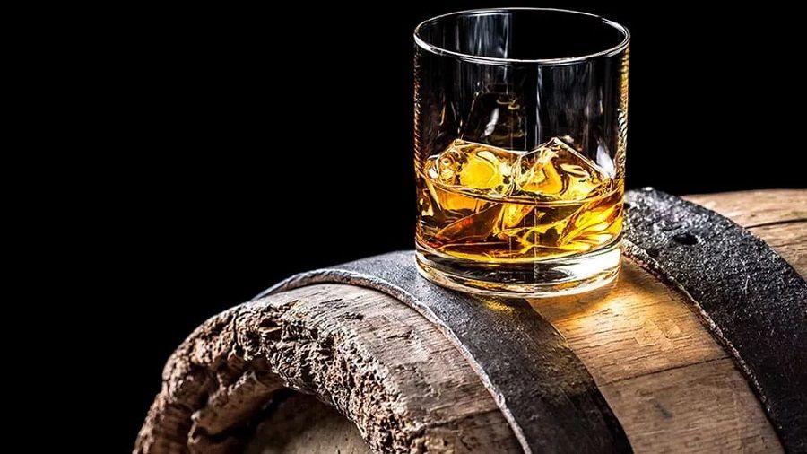 zapasy_amerikanskogo_viski_perevedut_na_blokcheyn.jpg