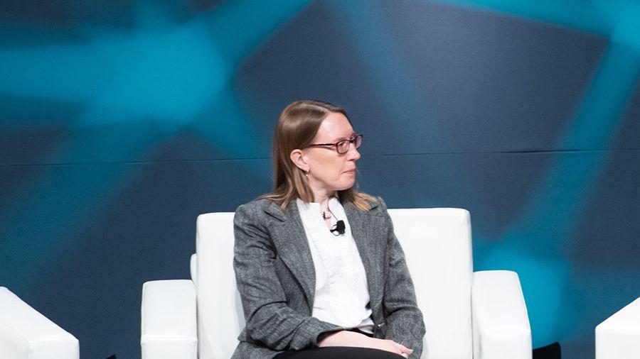 Эстер Пирс: «только настоящая децентрализация спасет проекты DeFi от регуляторов»