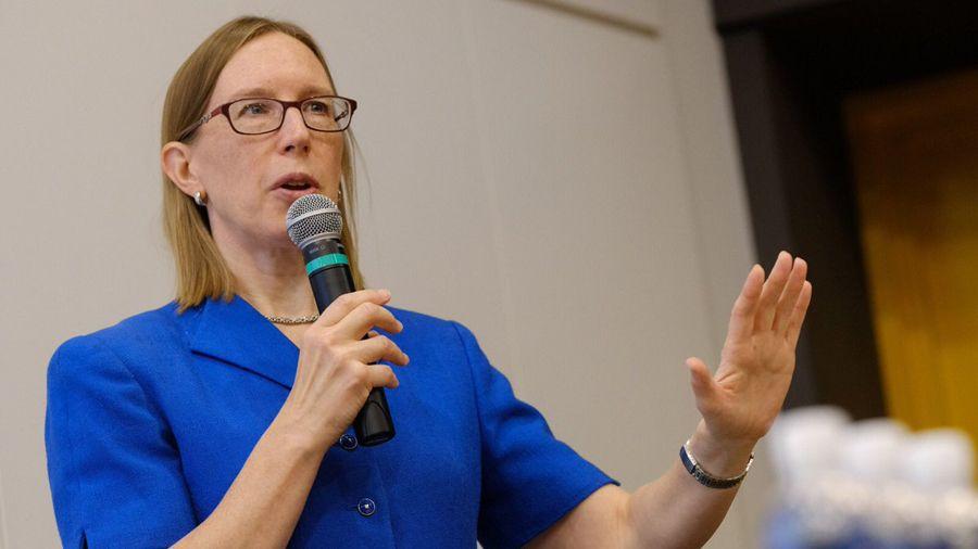 Комиссар SEC Эстер Пирс предложила ввести трехлетние «каникулы» для стартапов