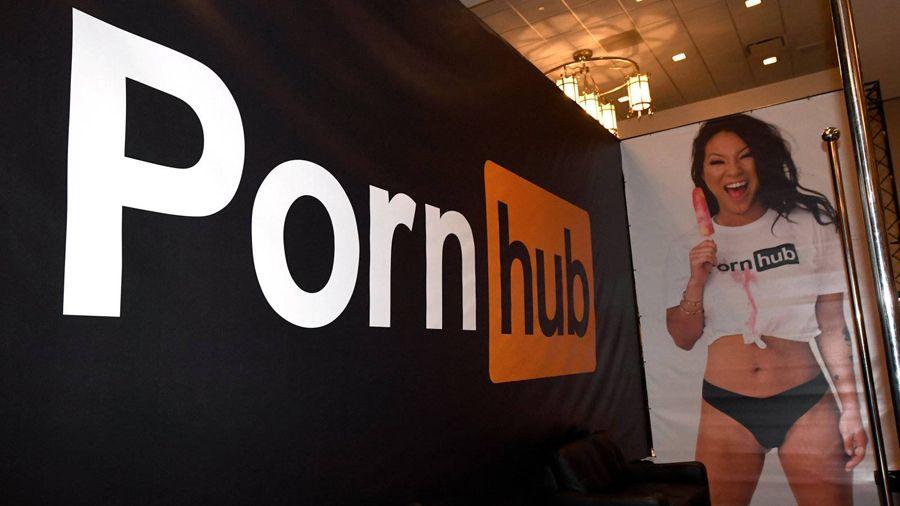 PayPal прекратил обслуживать моделей Pornhub: еще один шанс для криптовалют?