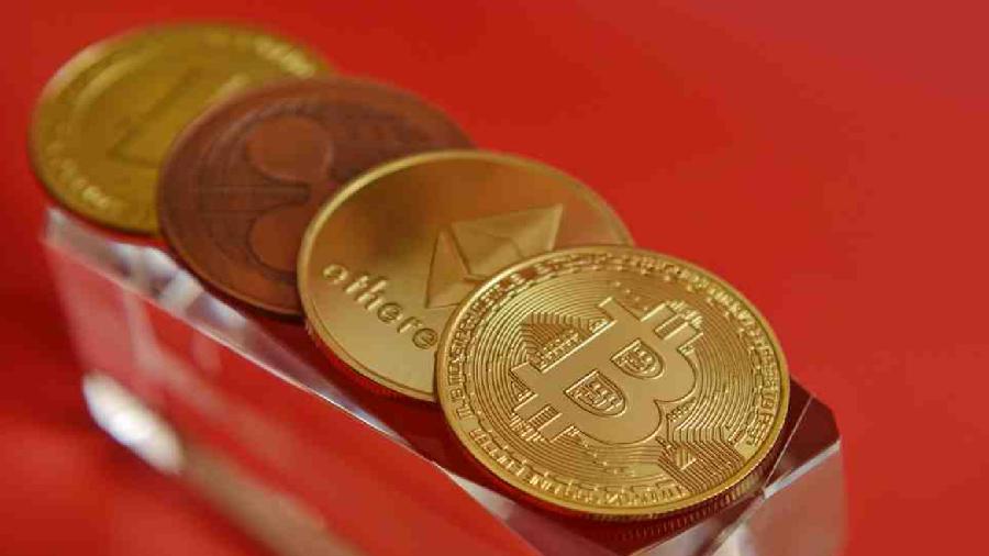 Капитализация криптовалютного рынка колеблется около $2 трлн