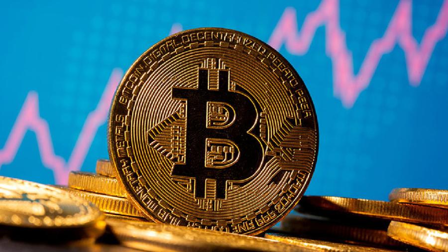 Курс биткоина превысил $60 000 и тестирует исторический максимум