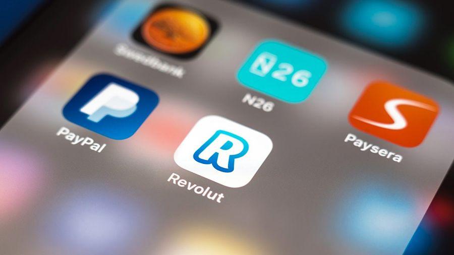Финтех-компания Revolut предоставит своим клиентам доступ к криптовалютам